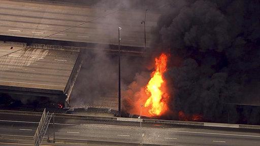 APTOPIX Overpass Collapse Fire_1523529600908
