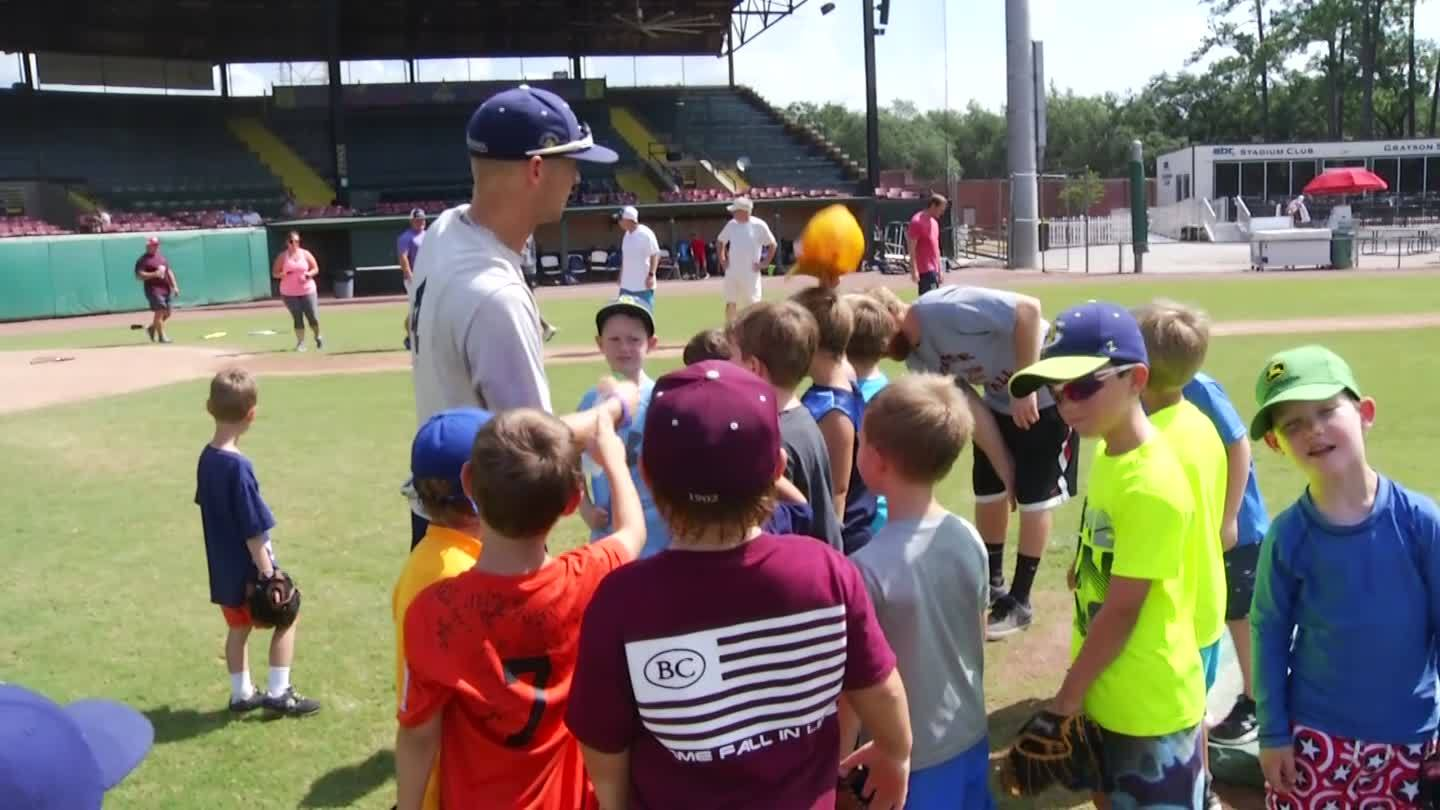 Savannah Bananas host kids camp