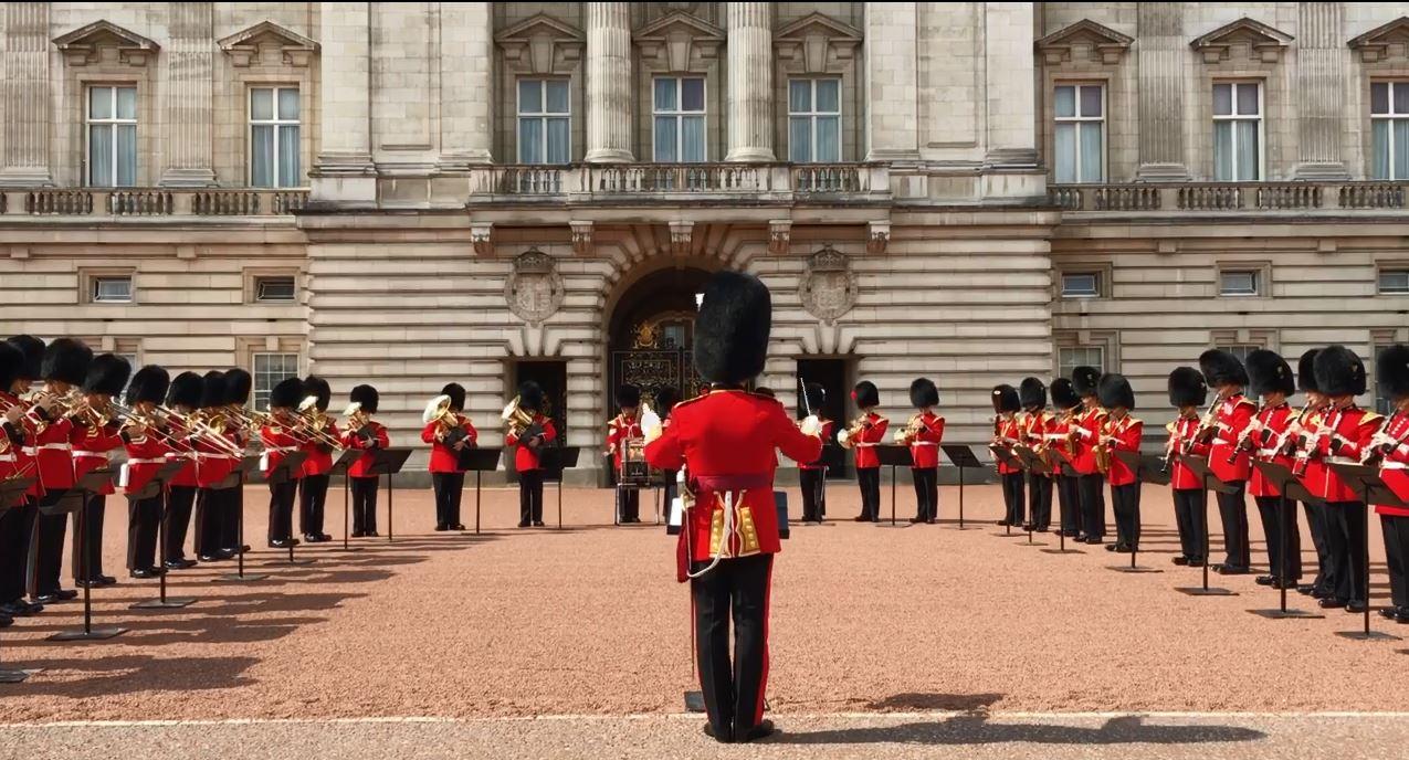 Buckingham Palace respect for Aretha_1535728866628.JPG.jpg