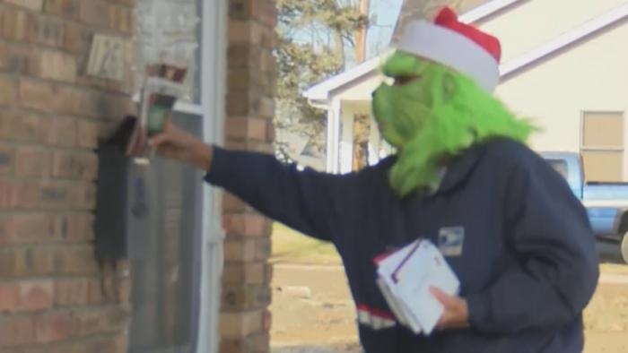 VIDEO: Grinch delivers Christmas cheer