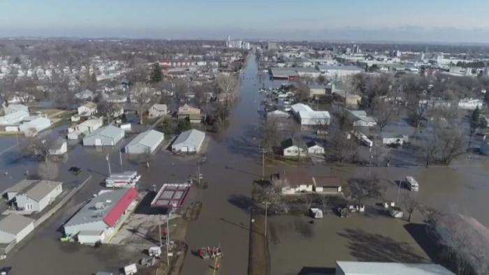 Midwest flooding reaches historic levels