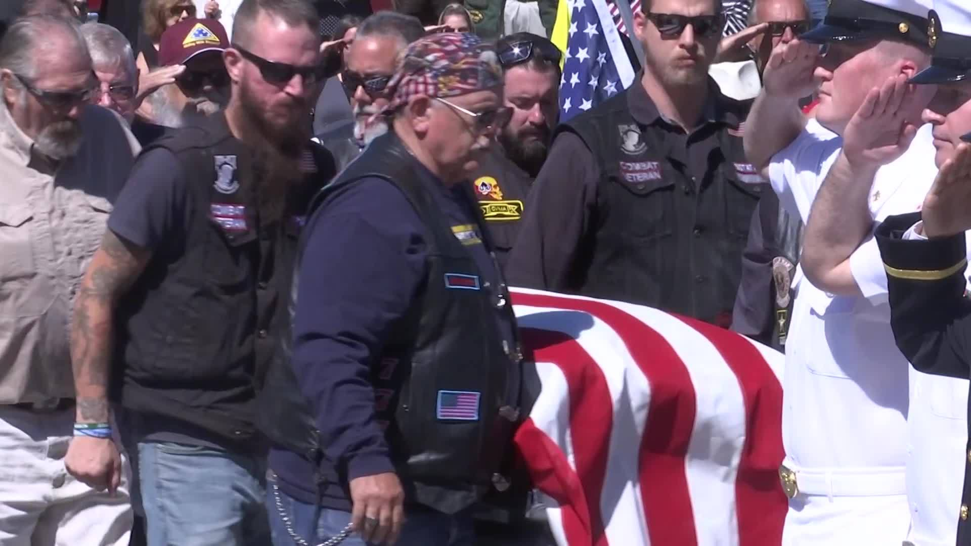 Funeral for unclaimed veteran draws hundreds