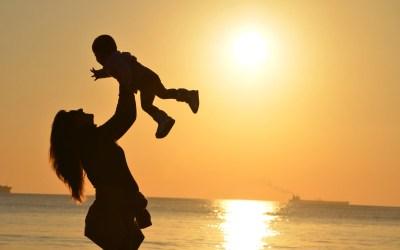 Changement de carrière après un congé maternité : un choix difficile pour les mères