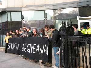 Blockade of Shell HQ in Dublin