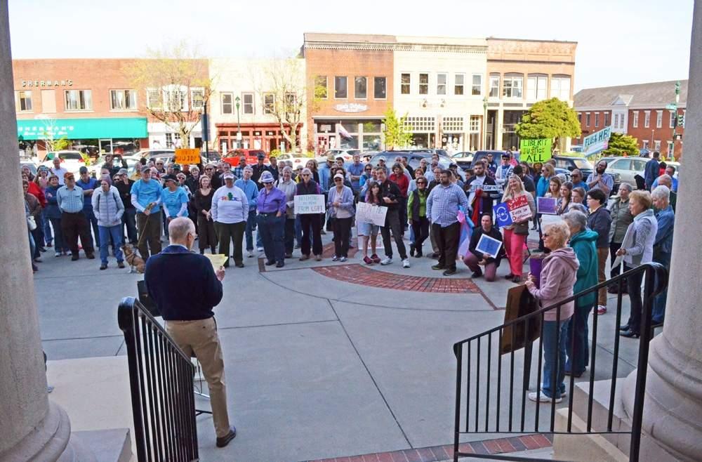 Hendersonville Protest_170320