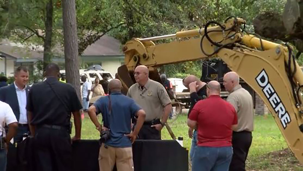 LIVE: Deputies to dig up graves at Alabama cemetery
