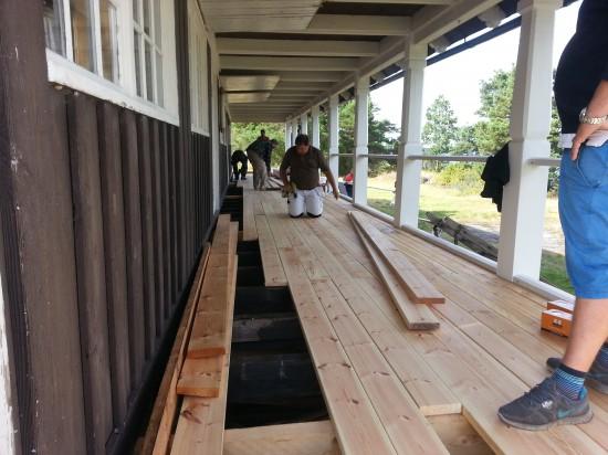 Östra verandan snart färdig