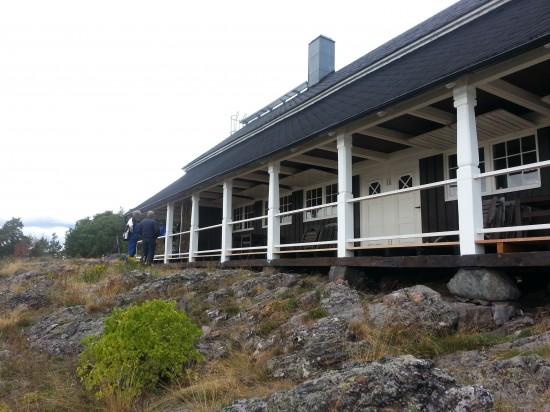 Västra verandan snart helt färdig