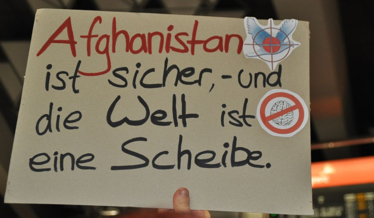 Frankfurt protest sign