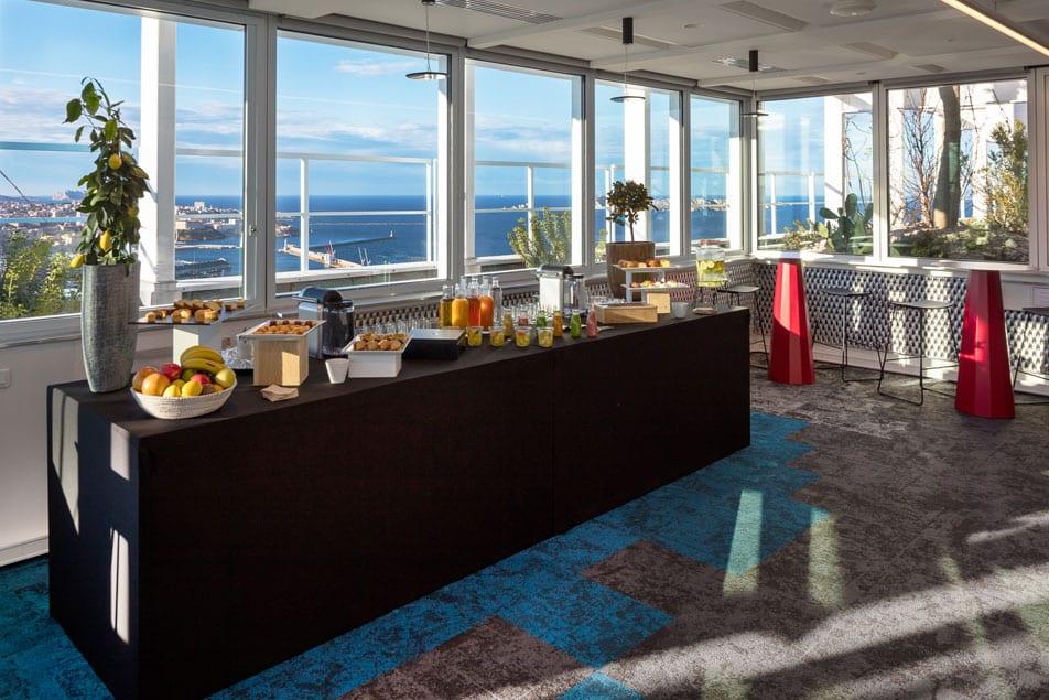 Louez une salle pour journée incentive entreprise à Marseille | Tour La Marseillaise - Sky Center