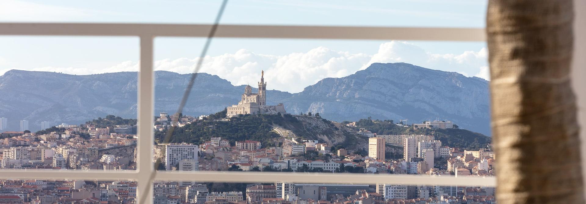 Location salle de réception avec traiteur à Marseille Tour La Marseillaise - Sky Center