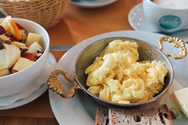 Frühstück in Frankfurt: das Café Mola in Sachsenhausen