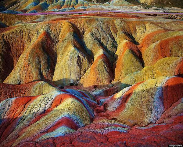 Rainbow_mountain_Zhangye_Danxia_03