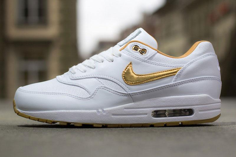 Nike Air Max Gold Metallic