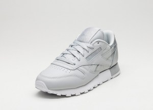 Metallic Sneaker silber