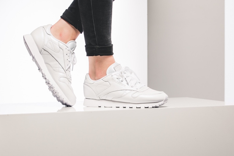 reebok-wmns-classic-leather-pearlized-weiss-bd4420-mood-1