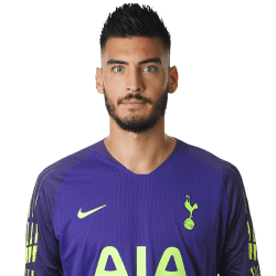 Picture of the 1.96 m (6 ft 5 in) tall Argentinian goalkeeper of Tottenham Hotspur