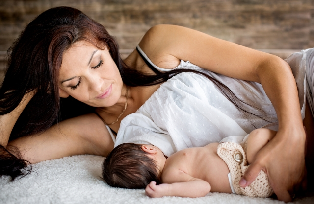 breastfeeding generic shutterstock_87344