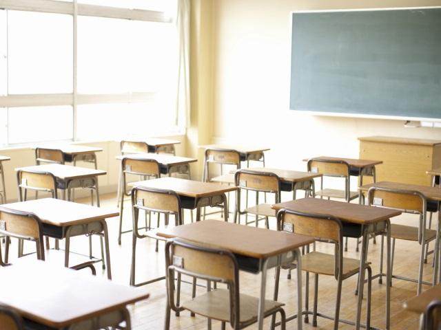 classroom desks school_105526