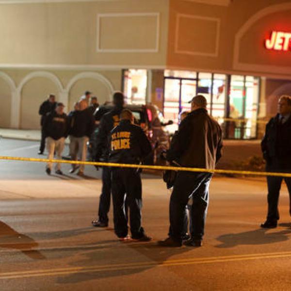 St Louis Officer Shot_359438