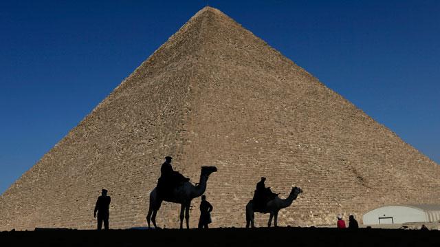 2017-11-02-Egypt-Pyramids_556373