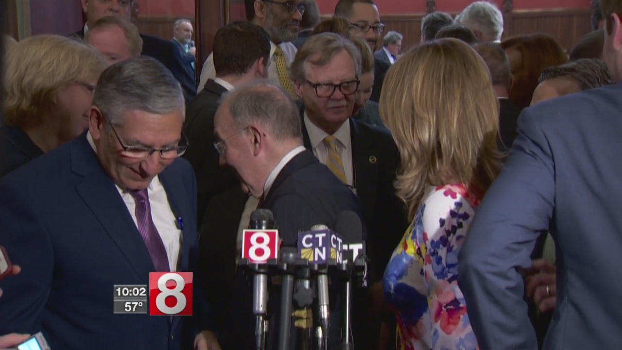 Lawmakers making last-minute deals as budget comes together
