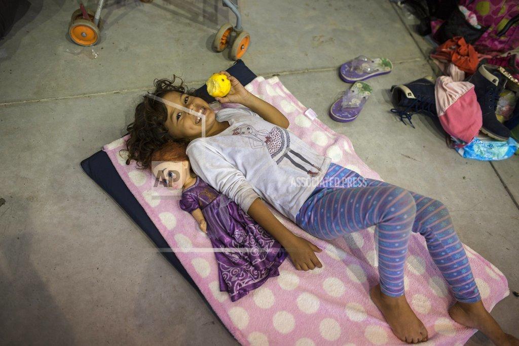Central America Migrant Caravan_1541403550110