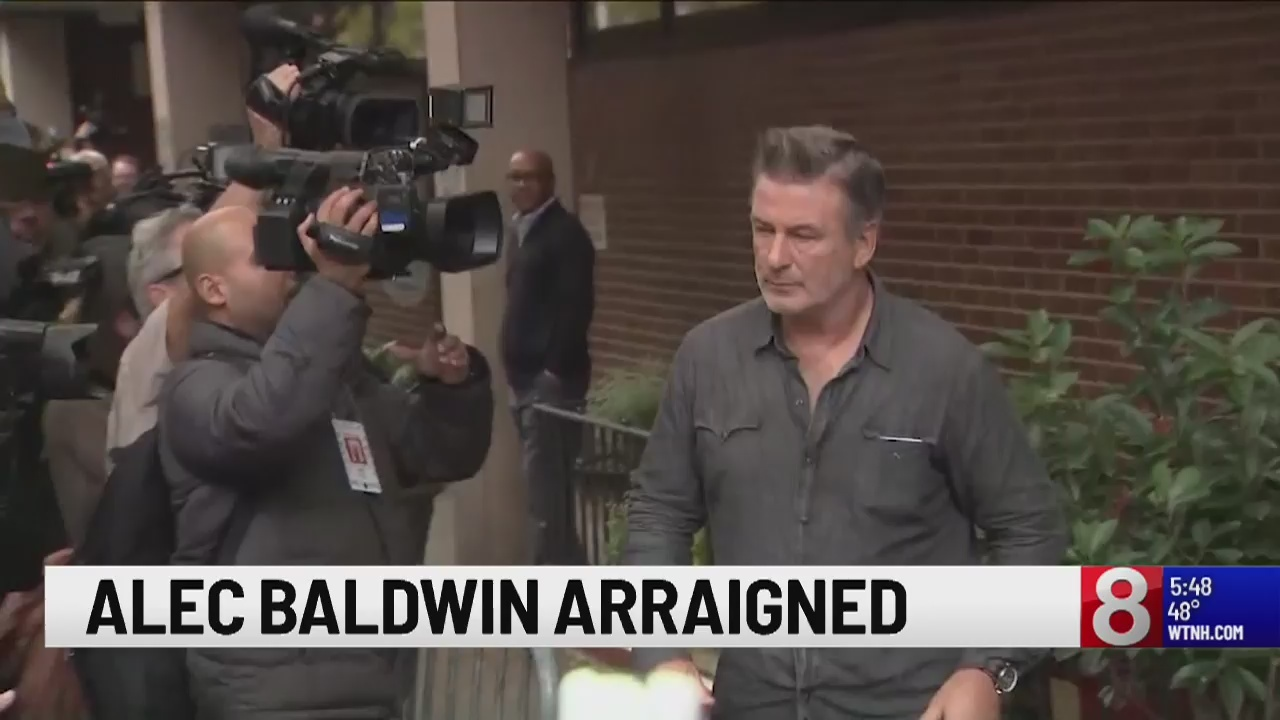 Alec Baldwin's lawyer: Video will clear him in parking clash