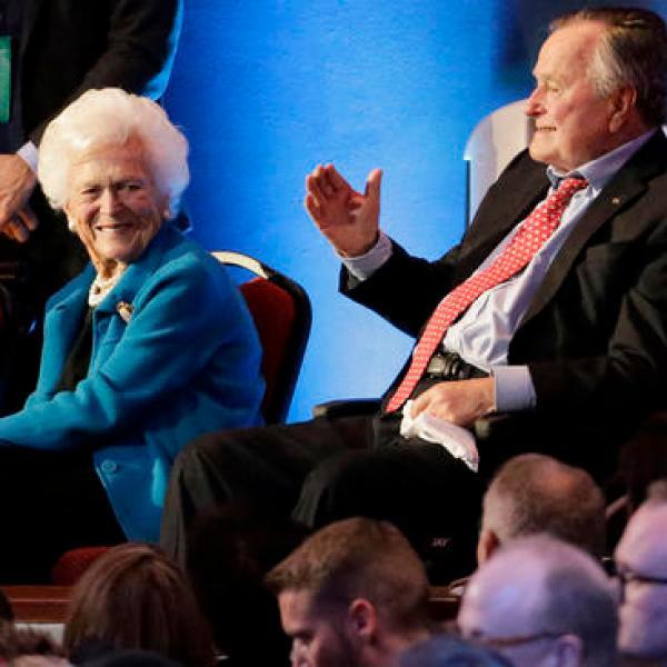 George Bush, Barbara Bush_381038