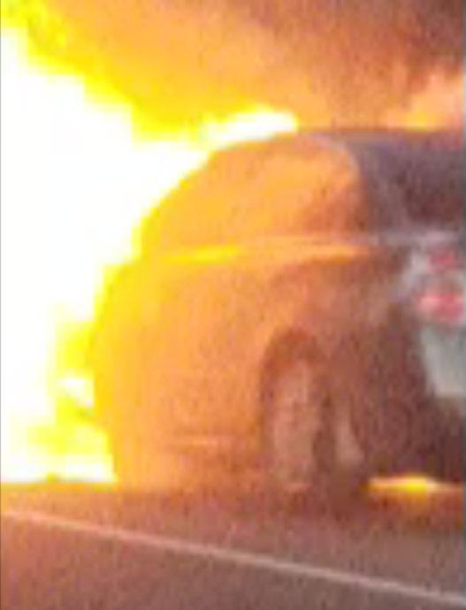 2018-12-18-Wallingford-Car-Fire-Report-It-Darrell-Smith_1545139039615.jpg