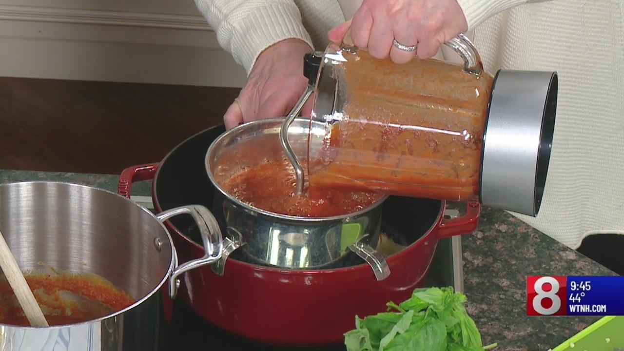8 Minute Meals: classic pomodoro sauce
