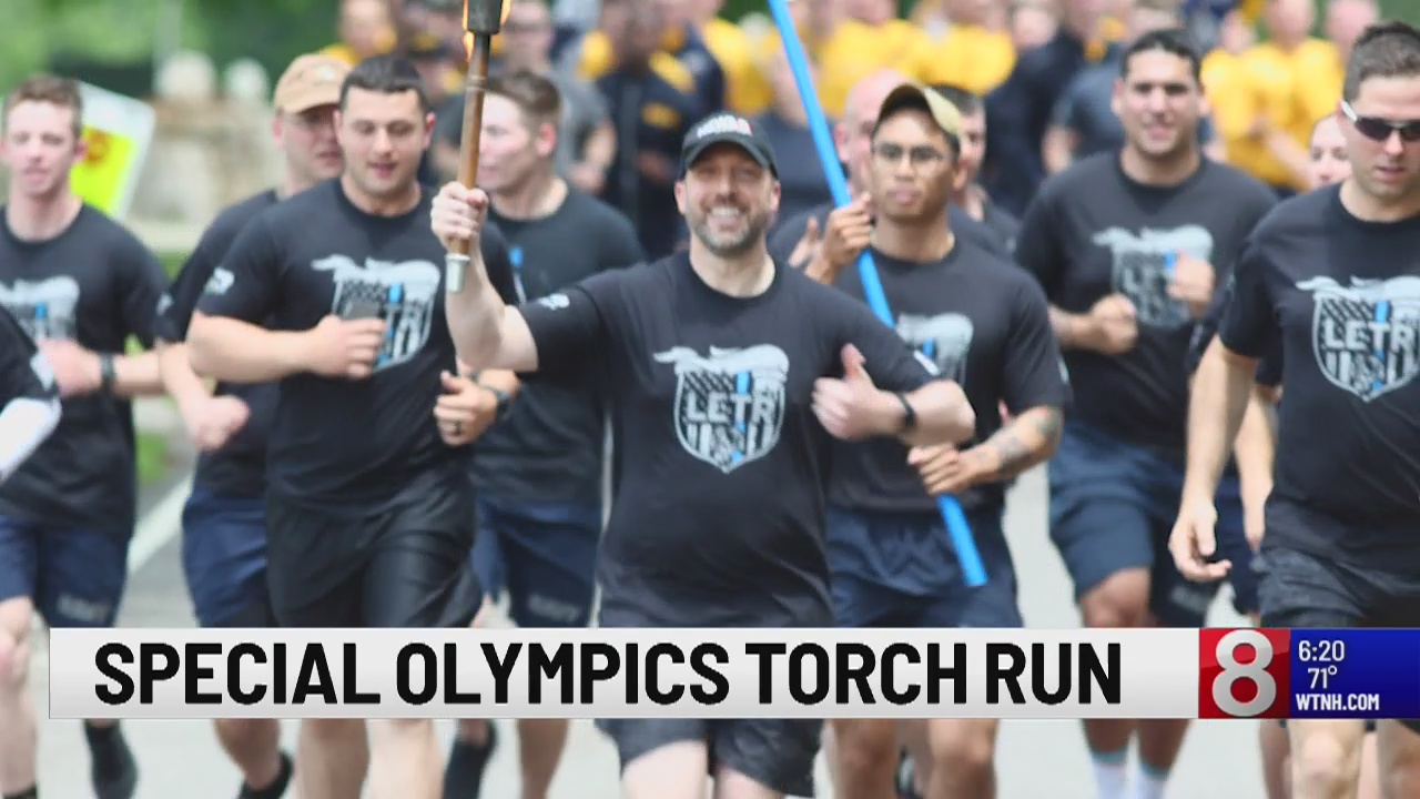 News 8's Gil Simmons, Alyssa Taglia take part in Special Olympics Torch Run