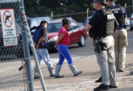 Largest US immigration raids in a decade net 680 arrests | WTNH com