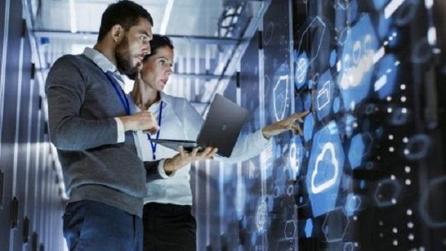 Digitalizzazione: con l'emergenza Covid-19 è boom di offerte di lavoro per gli sviluppatori