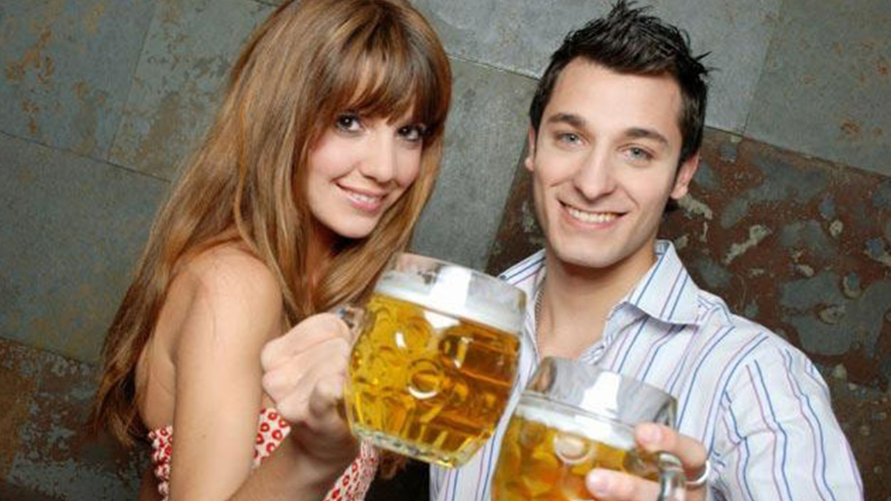 couple-drinking-beer_1517349143470_337747_ver1_20180131195501-159532