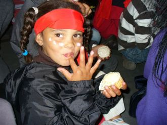 Kids Club - cup cake and pirate party 18.05.12 060