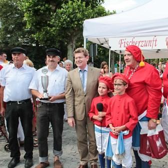 ... um dann auch bei der Siegerehrung durch den damaligen Oberbürgermeister Georg Rosenthal dabei zu sein.