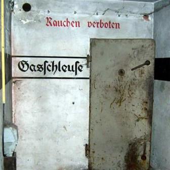 Luftschutzbunker aus dem 2. Weltkrieg - hier ist die Zeit stehen geblieben...