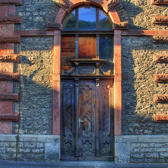 Historische Eingangstür zum ehemaligen Sudhaus.