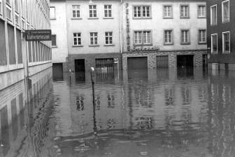 Gotengasse - links das Gebäude der Polizei in der Augustinerstraße