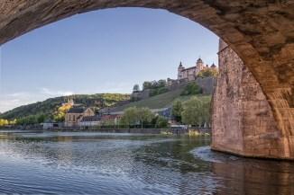 Unter der Alten Mainbrücke