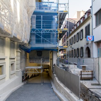 Oktober 2013: Die Zufahrt zur Marktgarage wurde aus der Eichhornstraße in die Martinstraße verlegt und steht auf dem Bild wenige Tage vor der Eröffnung.