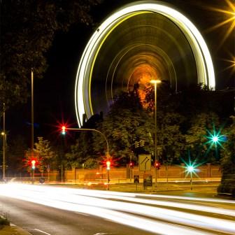 Blick auf das Riesenrad vom Neunerplatz aus.