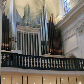 Die Orgel von Neumünster.