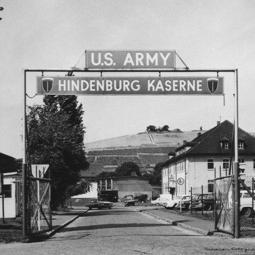 Eingangstor der Hindenburg Kaserne in der Zellerau.
