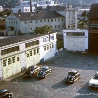 Blick auf die ehemalige Garage direkt neben der Kaserne.
