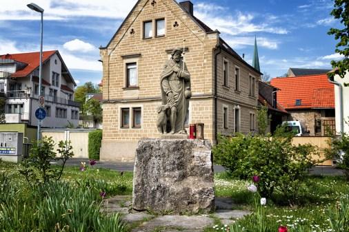 Der heilige St. Rochus von Montpellier in Versbach.