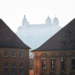 Die Festung Marienberg im Gegenlicht