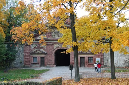 Eines der mächtigen Tore der Festungsanlagen