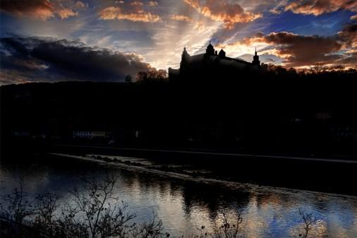 Blick auf die Festung im abendlichen Gegenlicht im November 2013.